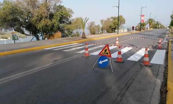 Καλαμάτα: Εργασίες συντήρησης οριζόντιας και κατακόρυφης σήμανσης στην οδό Ναυαρίνου