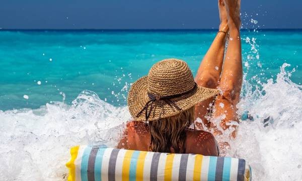 Στα 2,3 εκατομμύρια οι τουρίστες στην Ελλάδα – Γερμανοί, Πολωνοί, Αμερικανοί!