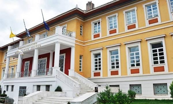 Ο Τατούλης ζητά δια ζώσης συνεδρίαση του Περιφερειακού Συμβουλίου