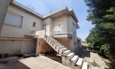 Πωλείται μονοκατοικία 500τμ σε 1300τμ οικόπεδο στο Λουτράκι