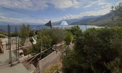 Πωλείται ημιτελής κατοικία με θέα στη θάλασσα στα Στραβά Λουτρακίου