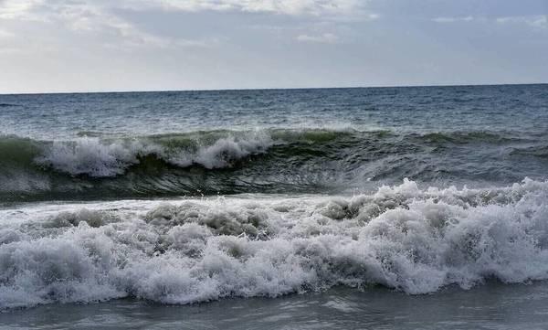 Λακωνία: Έσωσε 68χρονη από πνιγμό στην παραλία της Νεάπολης - Τι λέει ο μάχιμος λιμενικός (video)