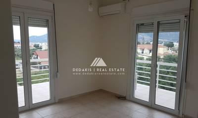 Πωλείται ανακαινισμένο διαμέρισμα 72τμ στο Λουτράκι
