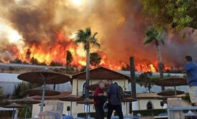 Φωτιά στη Ζήρια Αχαΐας: Κάηκαν σπίτια, εκκενώθηκαν οικισμοί - Κλειστή η Εθνική Οδός