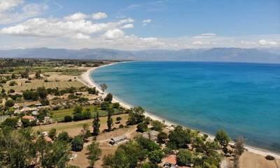 Πωλείται παραθαλάσσιο οικόπεδο 21.500 τμ στο Πεταλίδι