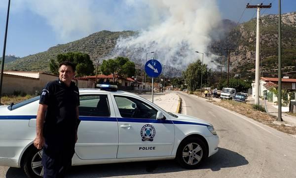 Φωτιά στην Αρχαία Ολυμπία: Διακόπηκε η κυκλοφορία των οχημάτων στην εθνική οδό Τρίπολης - Πύργου
