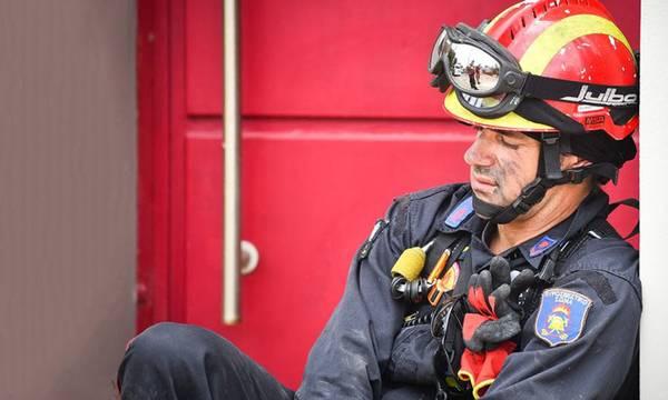 Απίστευτο! «Χωρίς ένα μπουκάλι νερό οι πυροσβέστες στην Πελοπόννησο!»
