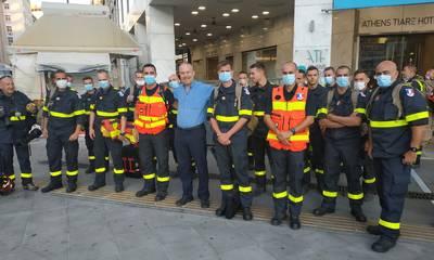 Ένας Λάκωνας υποδέχεται τους Γάλλους πυροσβέστες
