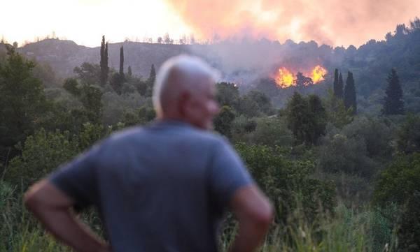 Φωτιά στην Ηλεία: Νέες αναζωπυρώσεις