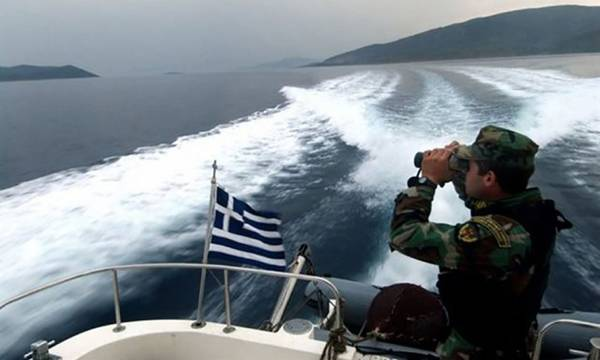 Aποκολλήθηκε το φορτηγό πλοίο στη θάλασσα του Άραξου