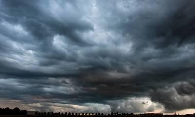 Καιρός: Υποχωρεί το κύμα ζέστης - Καταιγίδες σήμερα στην Πελοπόννησο