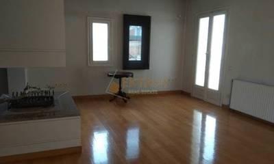 Πωλείται οροφοδιαμέρισμα 200τμ σε καταπληκτική κατάσταση στην Τρίπολη