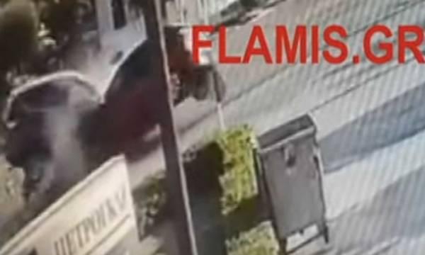 Σοκαριστικό τροχαίο στην Πατρών-Πύργου - Μετωπική σύγκρουση που κόβει την ανάσα (video)