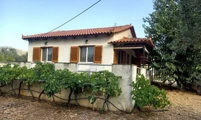Πωλούνται 2 κατοικίες συνολικού εμβαδού 140 τ.μ. στη Μονεμβασιά (Βελιές)