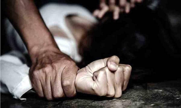 Αν είναι δυνατόν! Την κρατούσε αιχμάλωτη, ασκούσε βία και θέλησε να την βιάσει!