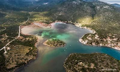 Μαγεία: Το ένα και μοναδικό φιόρδ της Ελλάδας βρίσκεται στη Λακωνία! (photos)