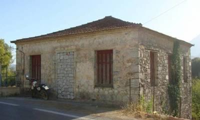 Πωλείται πέτρινη κατοικία 178τ.μ. στη Σκούρα Λακωνίας