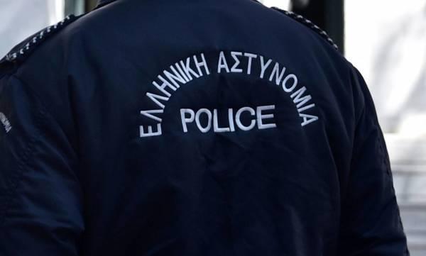 Κόρινθος: Συνελήφθη αστυνομικός για κλοπή 600 ευρώ από αλλοδαπούς