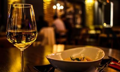 «Τσουχτερό» πρόστιμο 10.000 ευρώ σε ιδιοκτήτη εστιατορίου - μπαρ στην Πελοπόννησο