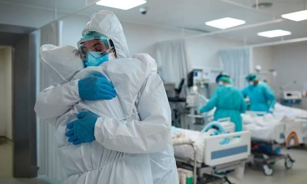 Υποχρεωτικός εμβολιασμός: Σε αναστολή από σήμερα 10.000 υγειονομικοί - Τι προβλέπει ο νόμος