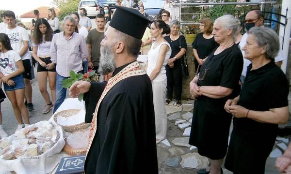 Ο παπα-Γιάννης ο Ζιάκανος και οι ψάλτριες της Καστανιάς Καρδίτσας