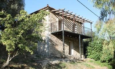 Πωλείται αναπαλαιωμένη πέτρινη κατοικία 170 τμ στην Καστάνια Πεταλιδίου