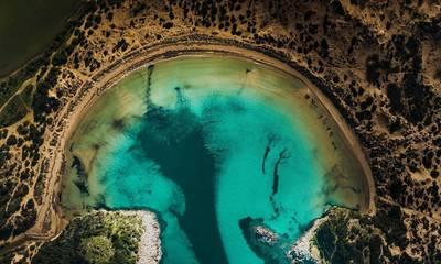 Πελοπόννησος: 10 παραλίες για σεπτεμβριάτικες βουτιές