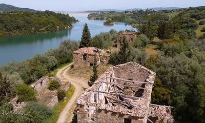 Κριθαράκια Αχαΐας: Το εγκαταλελειμμένο  χωριό στην λίμνη Αστερίου