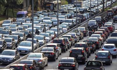 Αυτοκίνητο: Το ρυθμιστικό σχέδιο της ΕΕ προβλέπει μηδενισμό των εκπομπών ρύπων μετά το 2035
