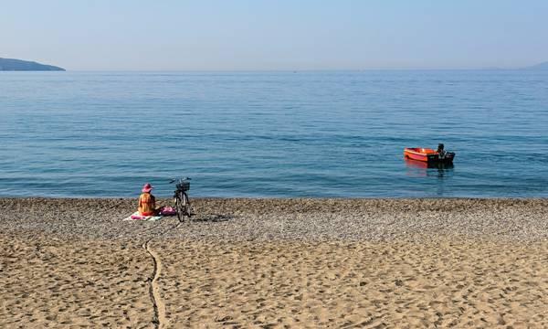 Καθαρά νερά κολύμβησης στην Καλαμάτα και τον Σεπτέμβριο