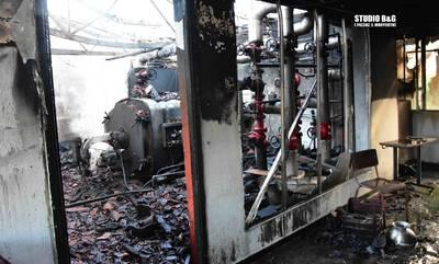 Ναύπλιο: Φωτιά τα ξημερώματα σε εγκαταστάσεις θερμοκηπίου (photos-video)