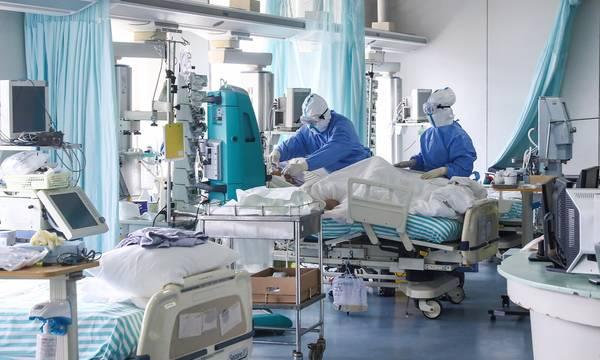 Συγκλονιστικές μαρτυρίες γιατρών που πέρασαν τον Κορονοϊό