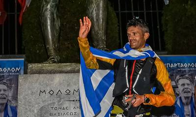 Ο Φώτης Ζησιμόπουλος τερμάτισε πρώτος στο 39ο Σπάρταθλον! (video)