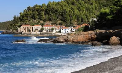 Το «μυστικό» χωριό της Λακωνίας που λάτρεψε η πριγκίπισσα Diana (videos)