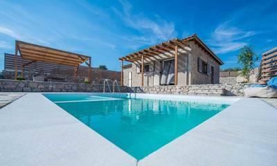 Δέκα νέες τουριστικές κατοικίες σε Ηλεία και Ανατολική Μάνη!