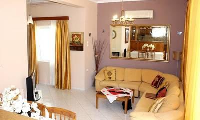 Πωλείται διαμέρισμα 3 υπνοδωματίων στην κεντρική πλατεία Καλαμάτας