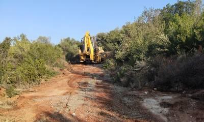 Σε εξέλιξη εργασίες συντήρησης αγροτικής οδοποιίας στο Δήμο Καλαμάτας