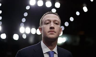 Facebook: 7 δισ. έχασε ο Μαρκ Ζουκερμπεργκ από την πολύωρη «κατάρρευση» και απολογήθηκε