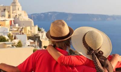 Voucher για διακοπές – Ξεκίνησαν οι αιτήσεις για πληρωμή των καταλυμάτων και τουριστικών γραφείων