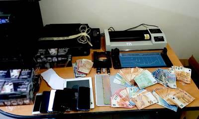 Καλαμάτα: Εξαρθρώθηκε εγκληματική οργάνωση που κατασκεύαζε πλαστά ταξιδιωτικά και διοικητικά έγγραφα