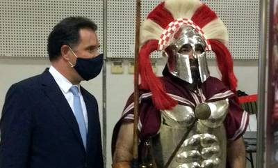 Στη «καρδιά» της Αθήνας απόδοση τιμής στους πεσόντες στη Μάχη των Θερμοπυλών!