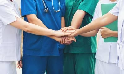 Οι Φίλοι του Νοσοκομείου Σπάρτης παρέδωσαν ρουχισμό στη νοσηλευτική μονάδα