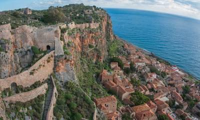 Υπεγράφη η σύμβαση για τη σταθεροποίηση των πρανών στο Κάστρο Μονεμβασίας