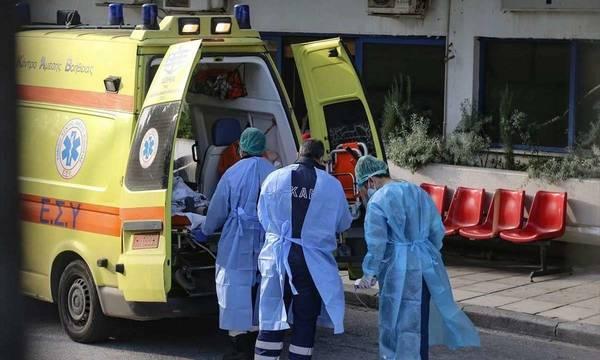 Πάτρα: Γέννησε το μωρό της στη μέση του δρόμου - Δεν πρόλαβε να πάει στο νοσοκομείο