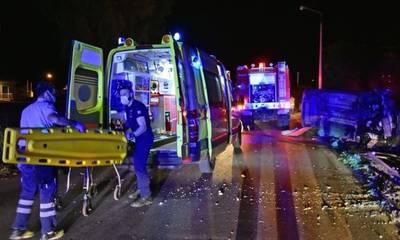 Ένας νεκρός και εννέα τραυματίες σε τροχαίο με μετανάστες
