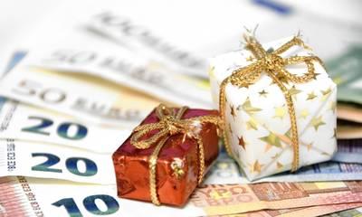 Έκτακτο μέρισμα: Ποιοι θα πάρουν φέτος χριστουγεννιάτικο μποναμά έως 900 ευρώ