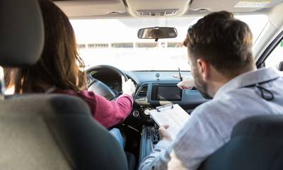 Δίπλωμα οδήγησης από τα 17 - Όλες οι αλλαγές που φέρνει το νομοσχέδιο