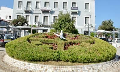 Πάτρα: Λειτουργεί κανονικά το άνθινο ρολόι στην πλατεία Τριών Συμμάχων