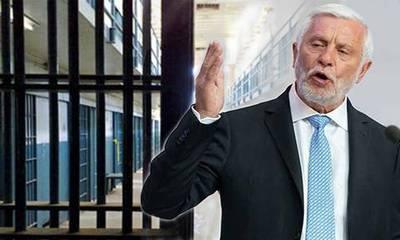 Τατούλης: Ποιος έδωσε άδεια στον Σρόιτερ για το «ελαφρυντικό» ρεπορτάζ στις φυλακές Τρίπολης;