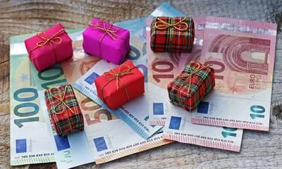 Χριστουγεννιάτικος Μποναμάς: Ποιοι θα πάρουν έκτακτο μέρισμα έως 900 ευρώ